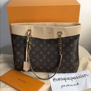SOLDAuthentic Louis Vuitton Pallas Shopper